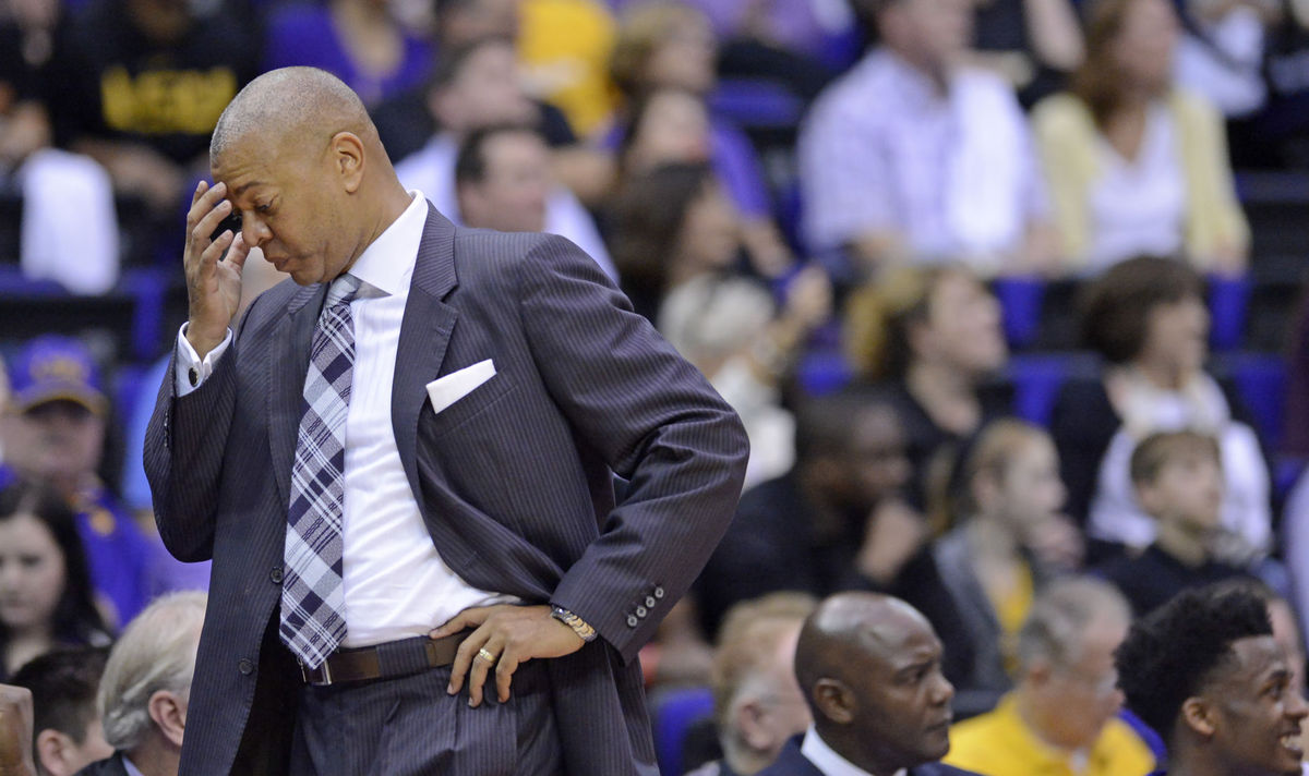 LSU to fire Johnny Jones on Friday