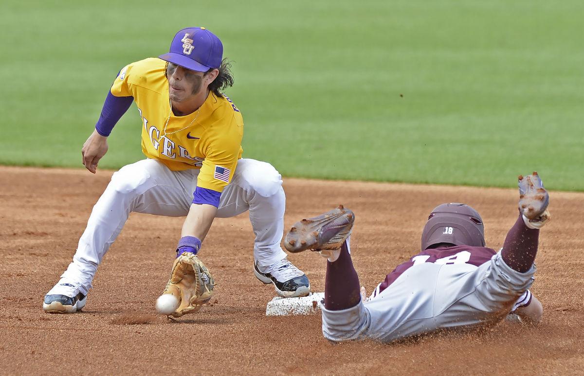 Baseball drops series to Texas A&M