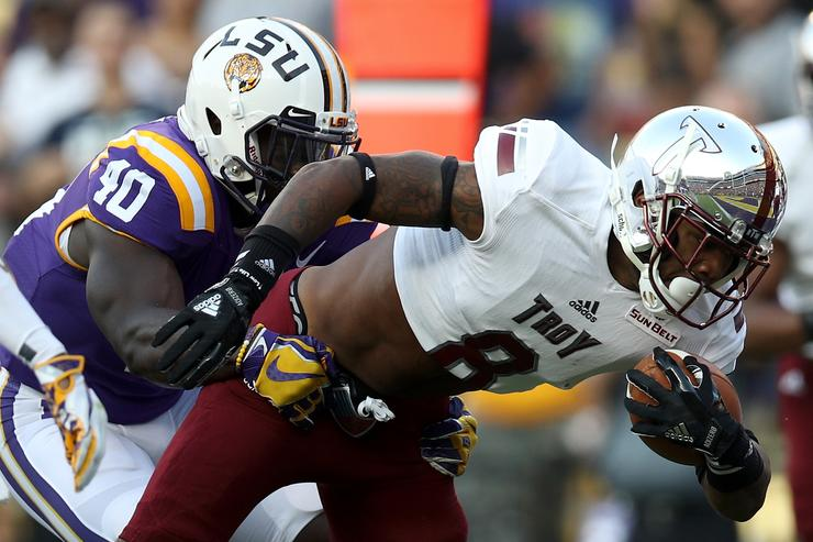 Reaction: LSU stunned by Troy in dreadful offensive performance