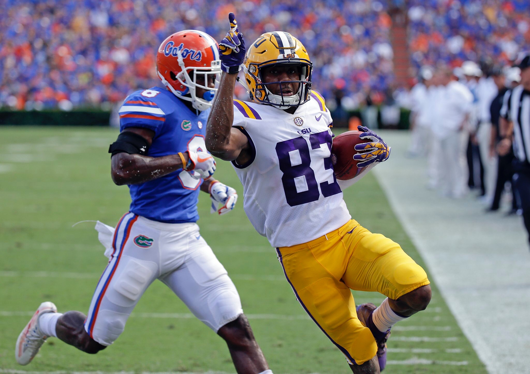 LSU shows toughness, grit in 17-16 win at Swamp