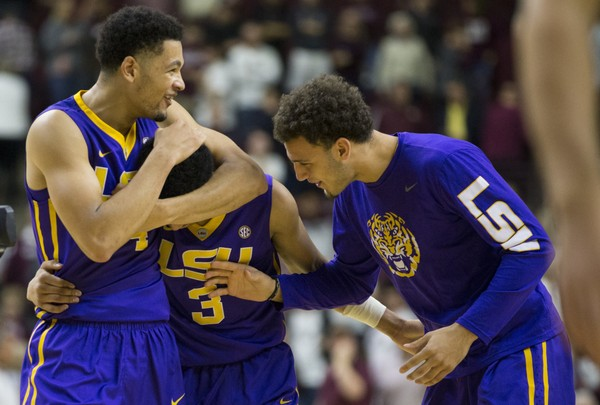 Tremont Waters lifts LSU over No. 11 Texas A&M