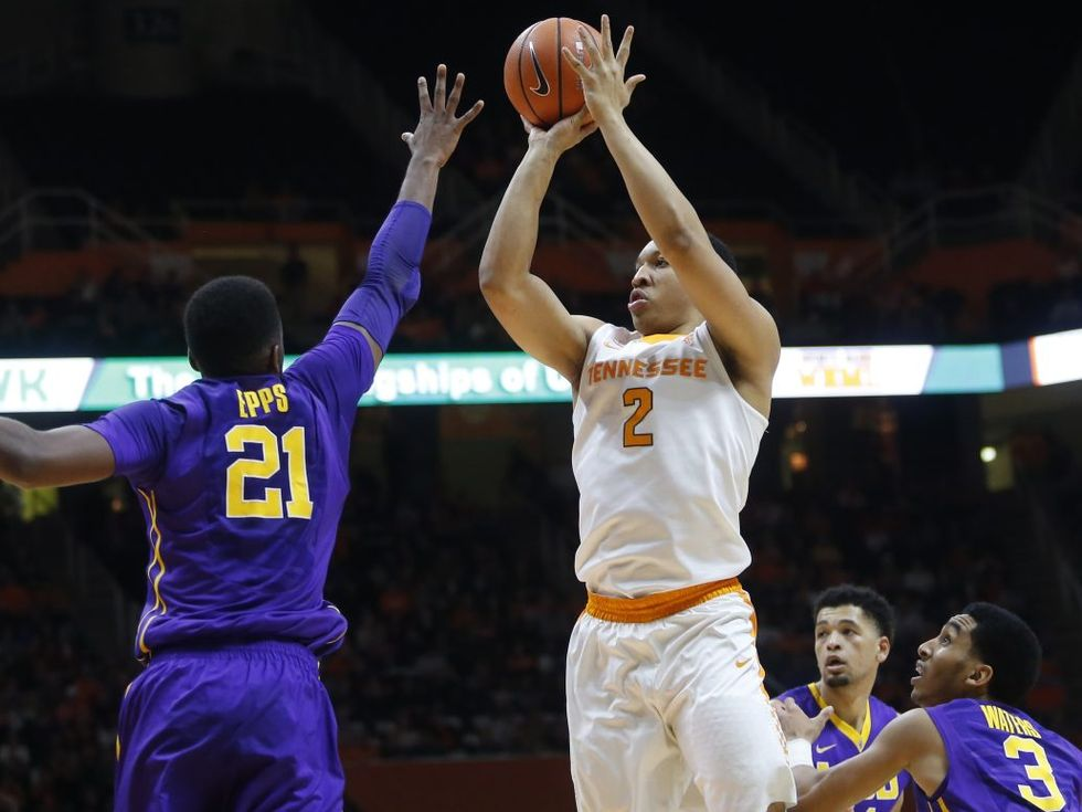 LSU falls on the road to No. 18 Tennessee, 84-61