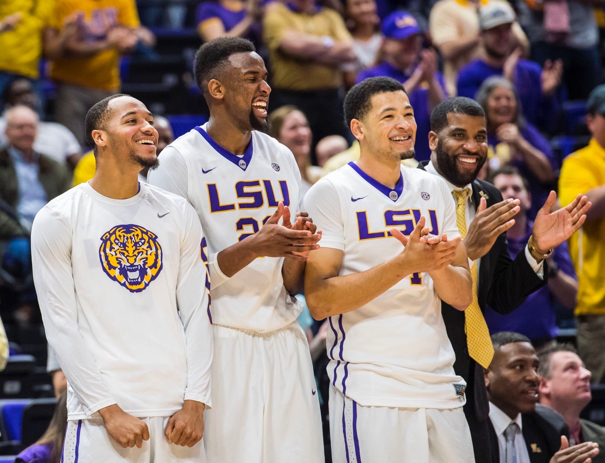 Basketball routs Mississippi State on Senior Day