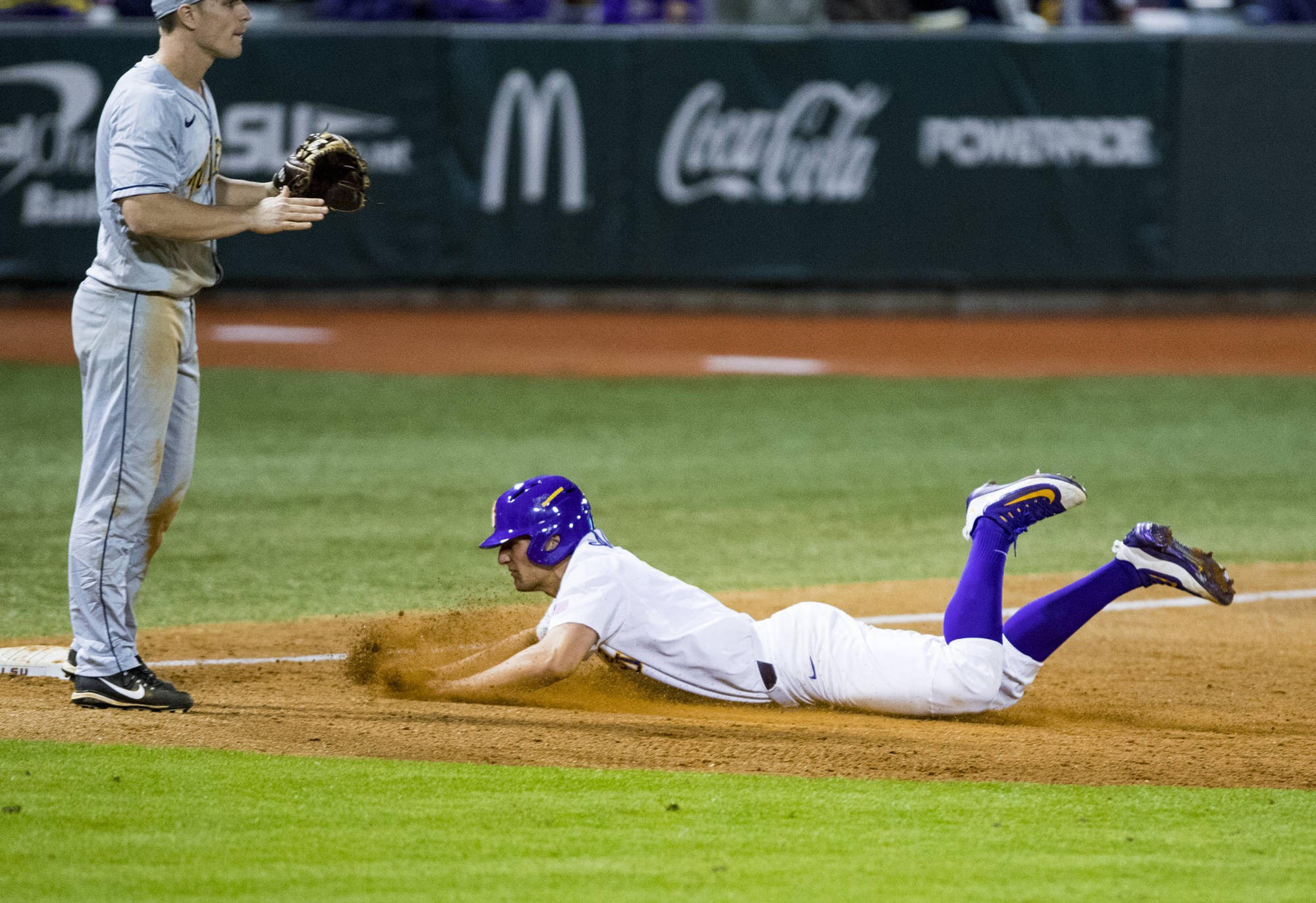 Baseball dominates Toledo behind Zack Hess
