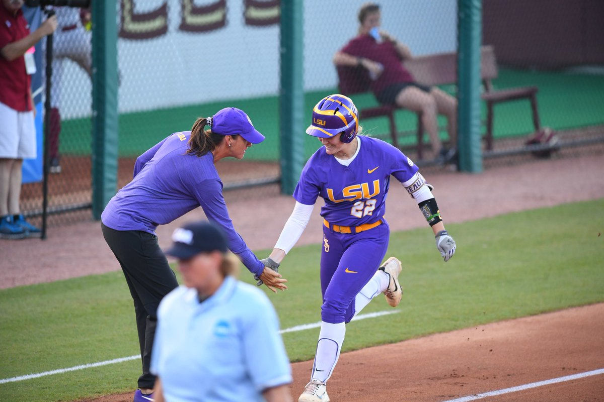 Softball defeats Florida State 6-5 in Game One