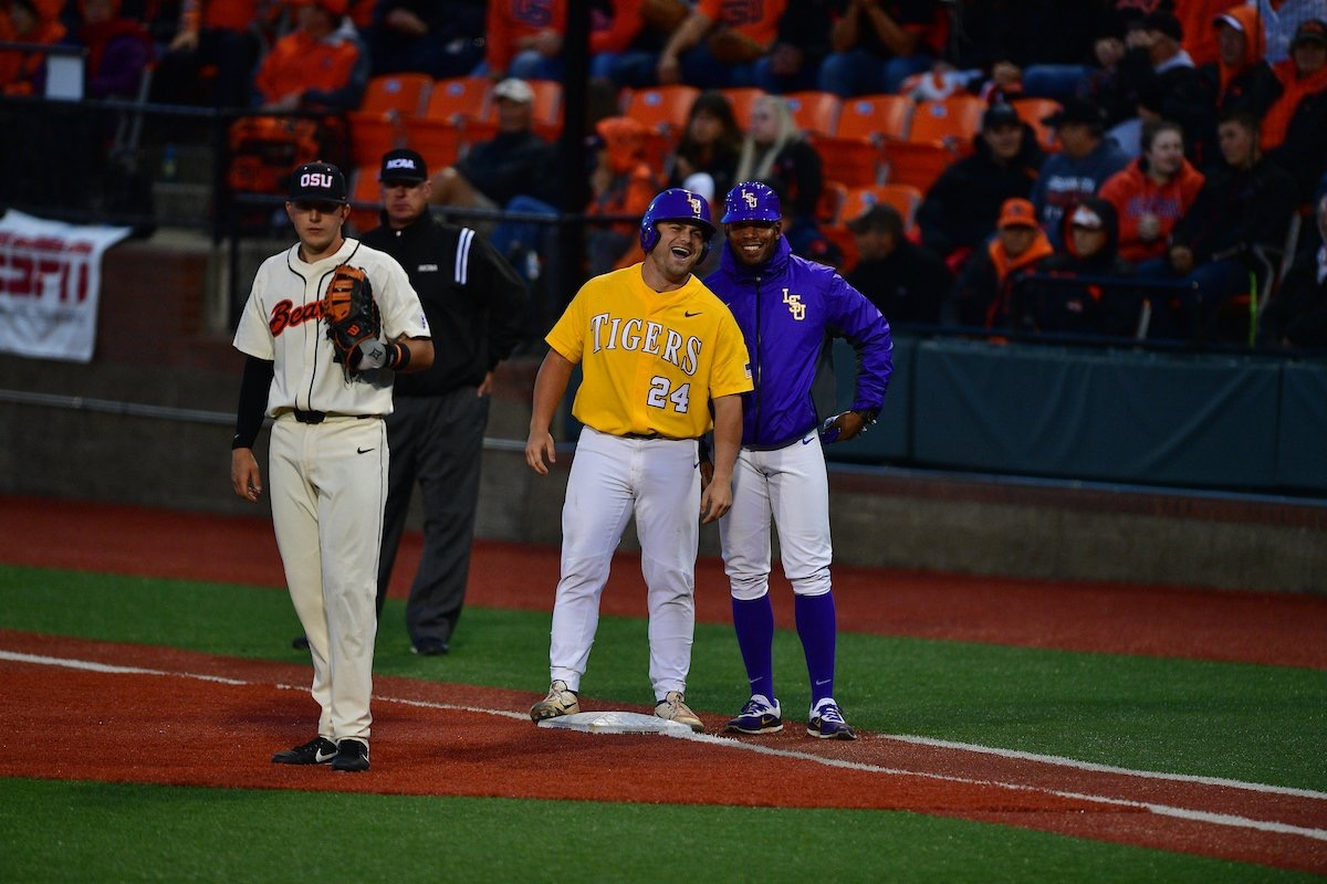 Baseball ends its season against Oregon State
