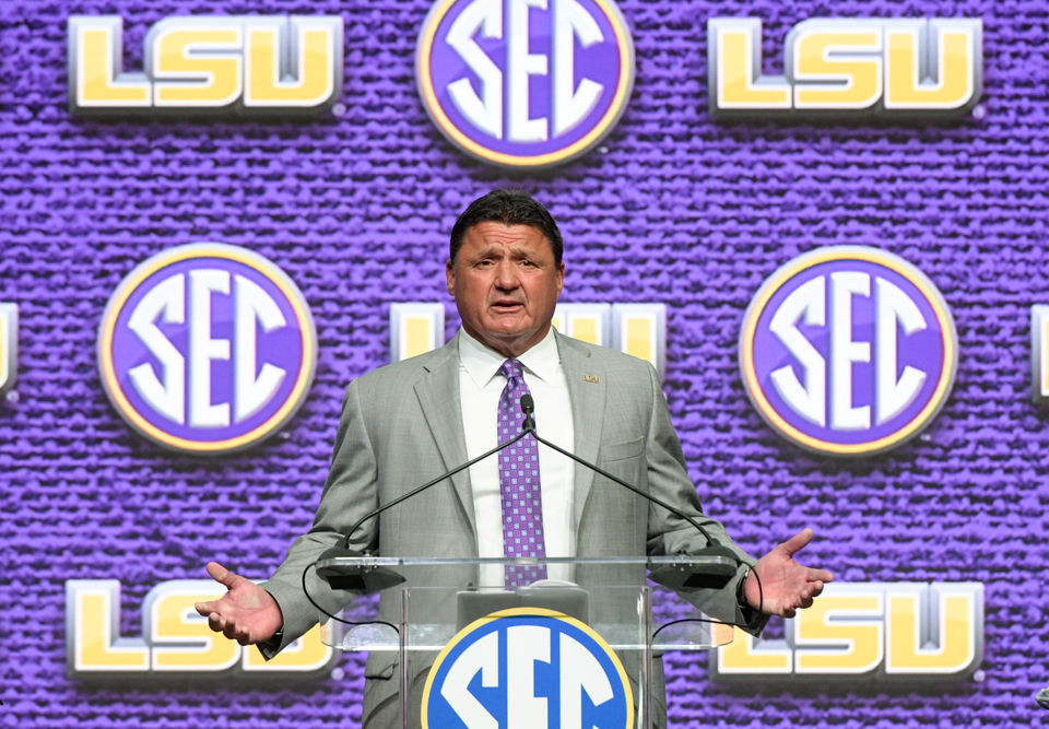 LSU checks in at No. 24 in Amway Coaches Poll