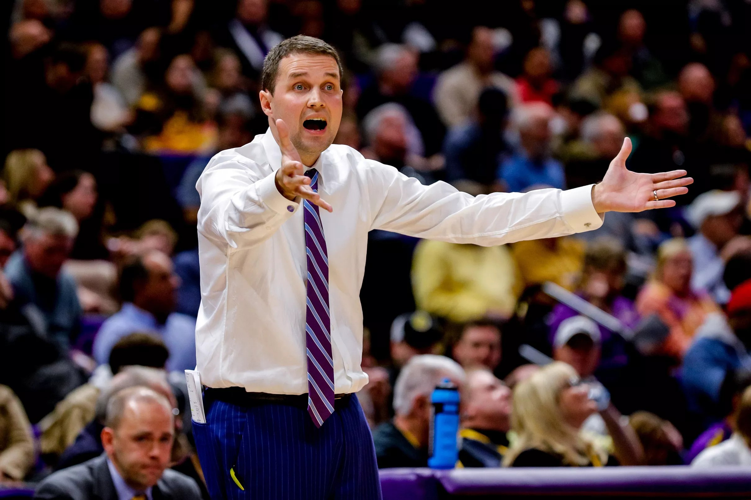 Basketball rises to No. 19 in latest AP Poll