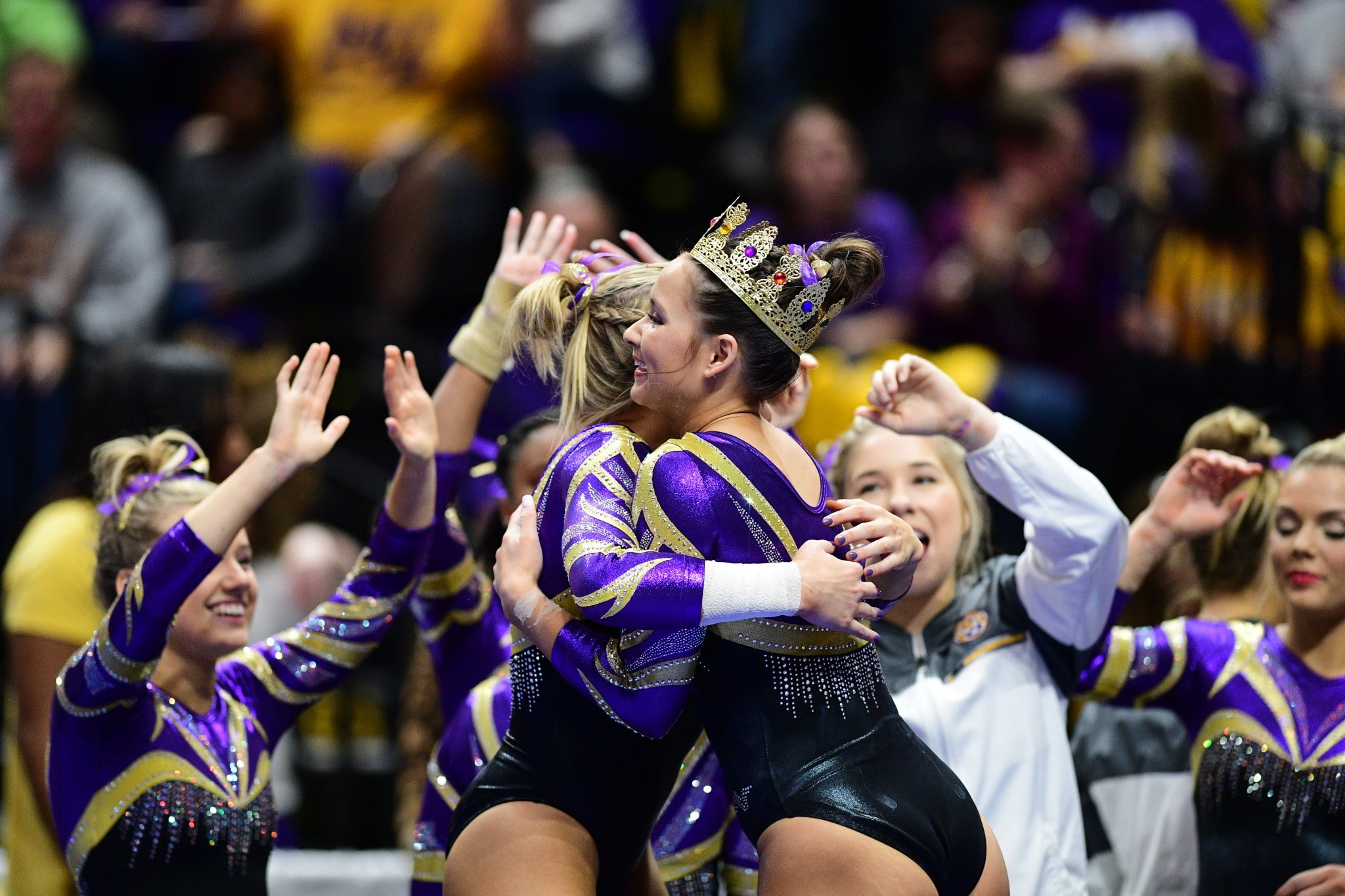 LSU Gym defeats No. 8 Cal on opening night
