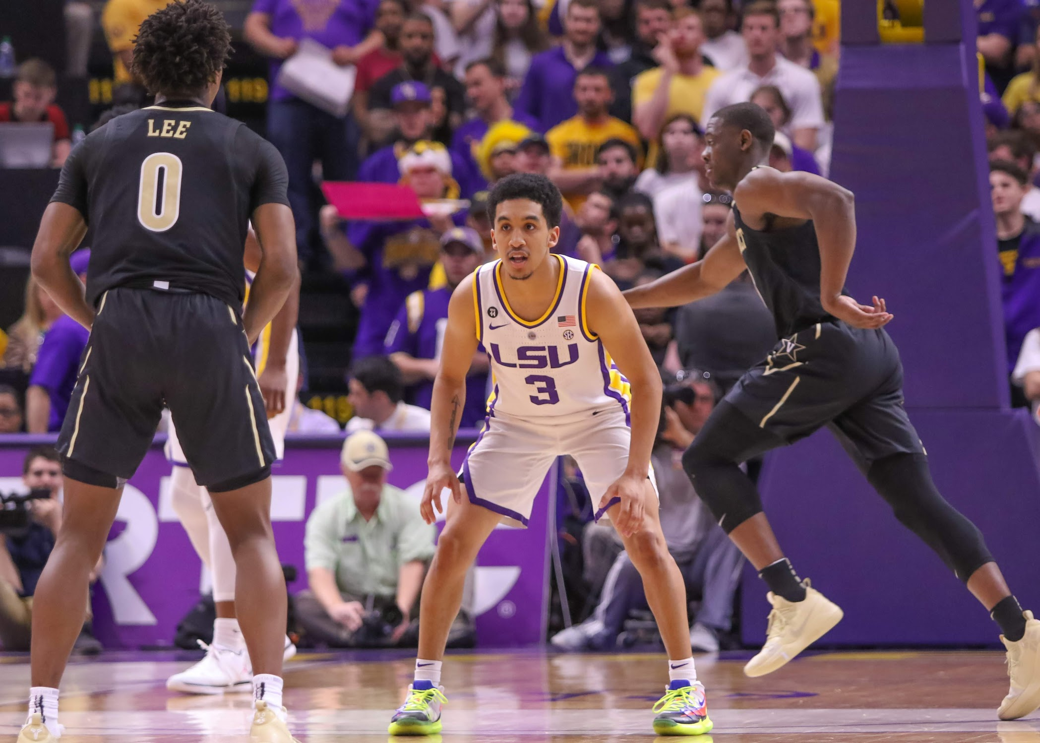 LSU up one spot to No. 9 in final AP Top 25