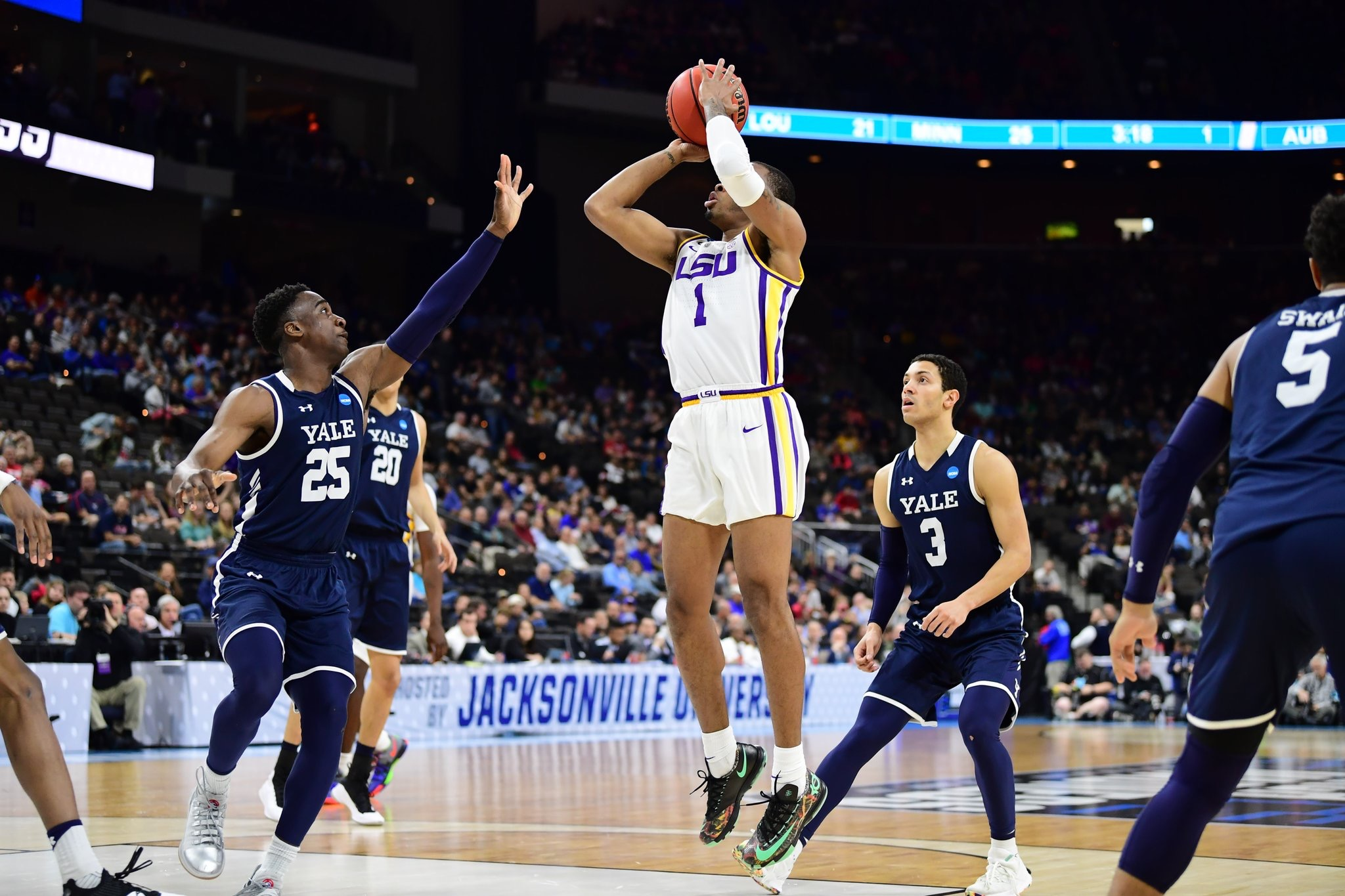 LSU holds off Yale to advance in the NCAA Tournament