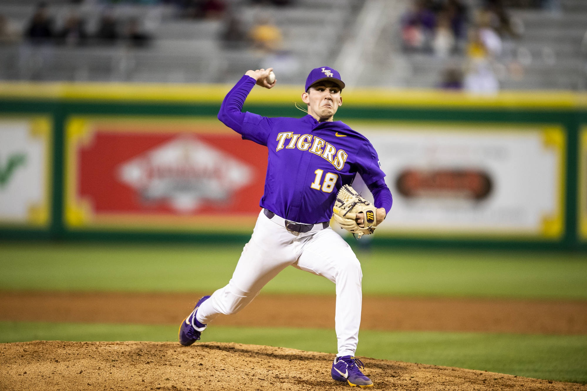 LSU Baseball rises in the polls after series win