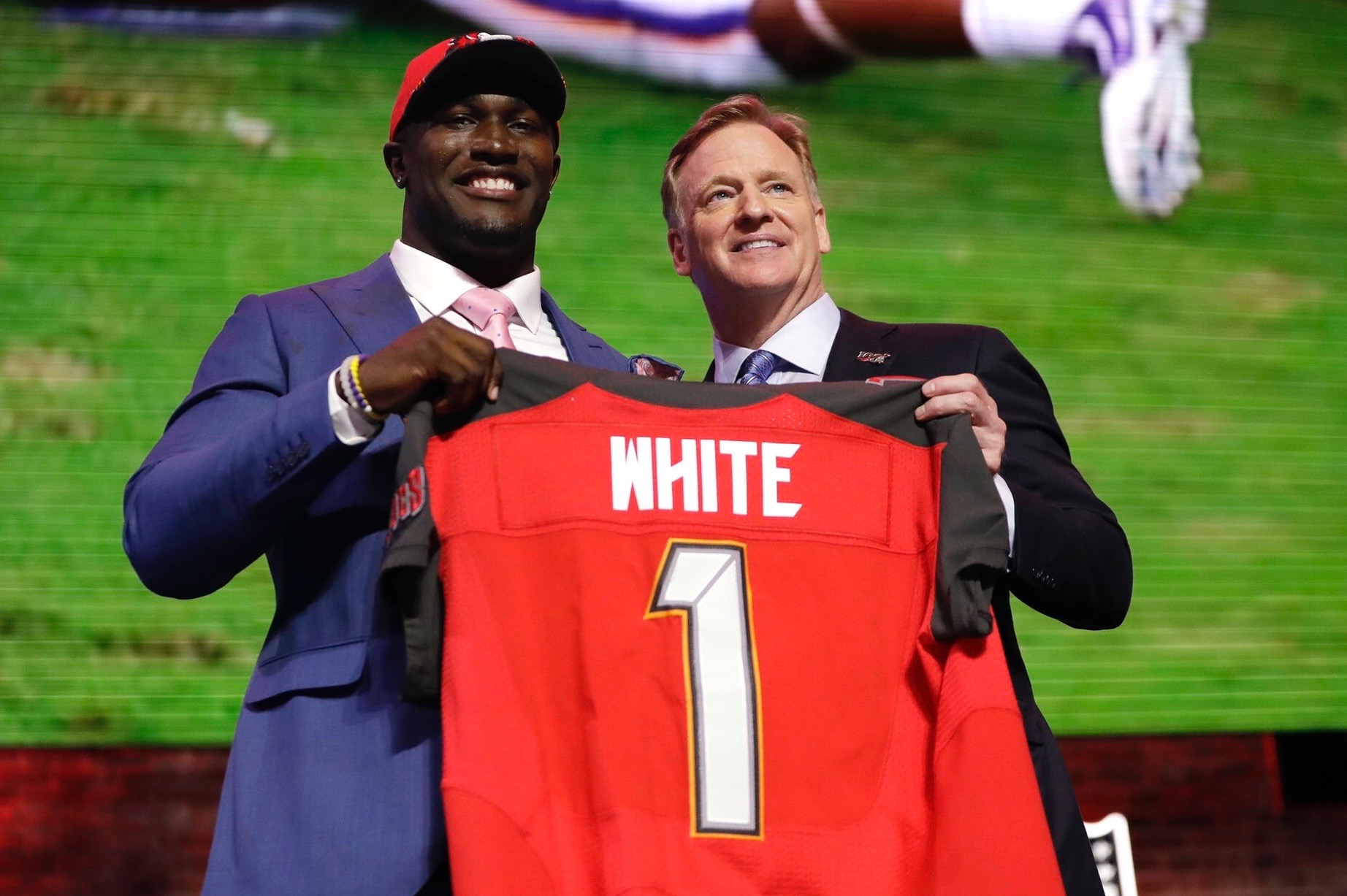 Devin White selected No. 5 overall to the Buccaneers