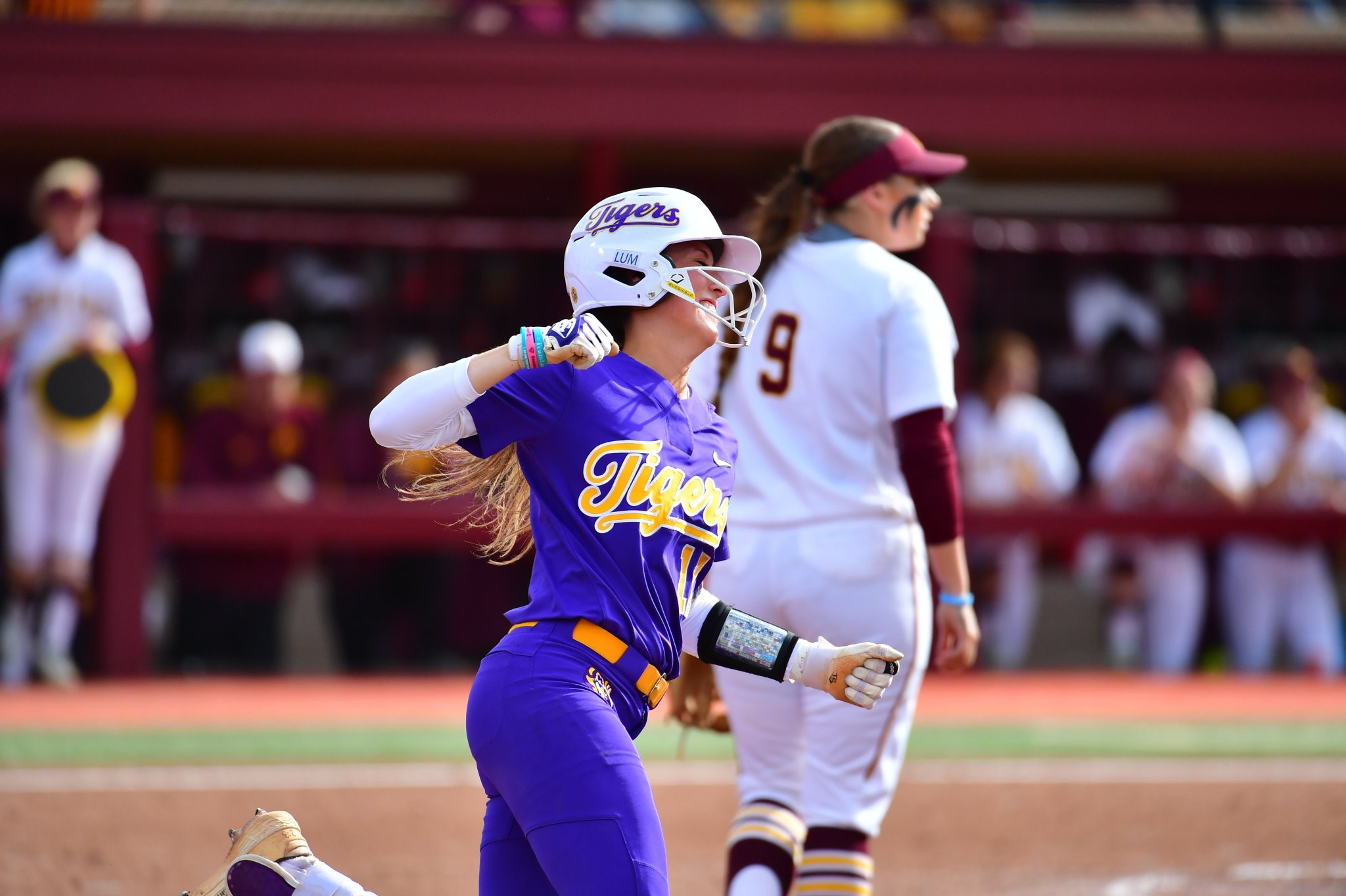 Softball drops Game 1 of Minneapolis Super Regional