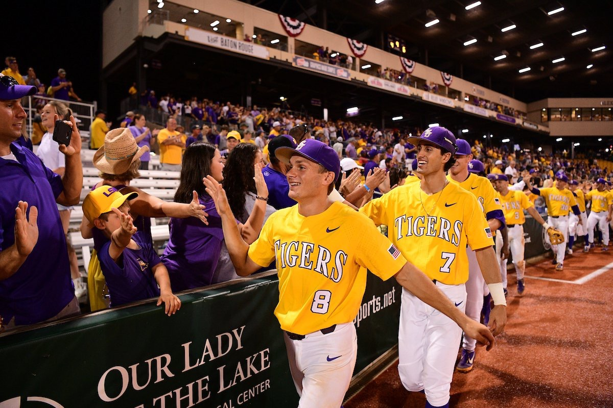 LSU defeats Southern Miss to advance to Super Regionals