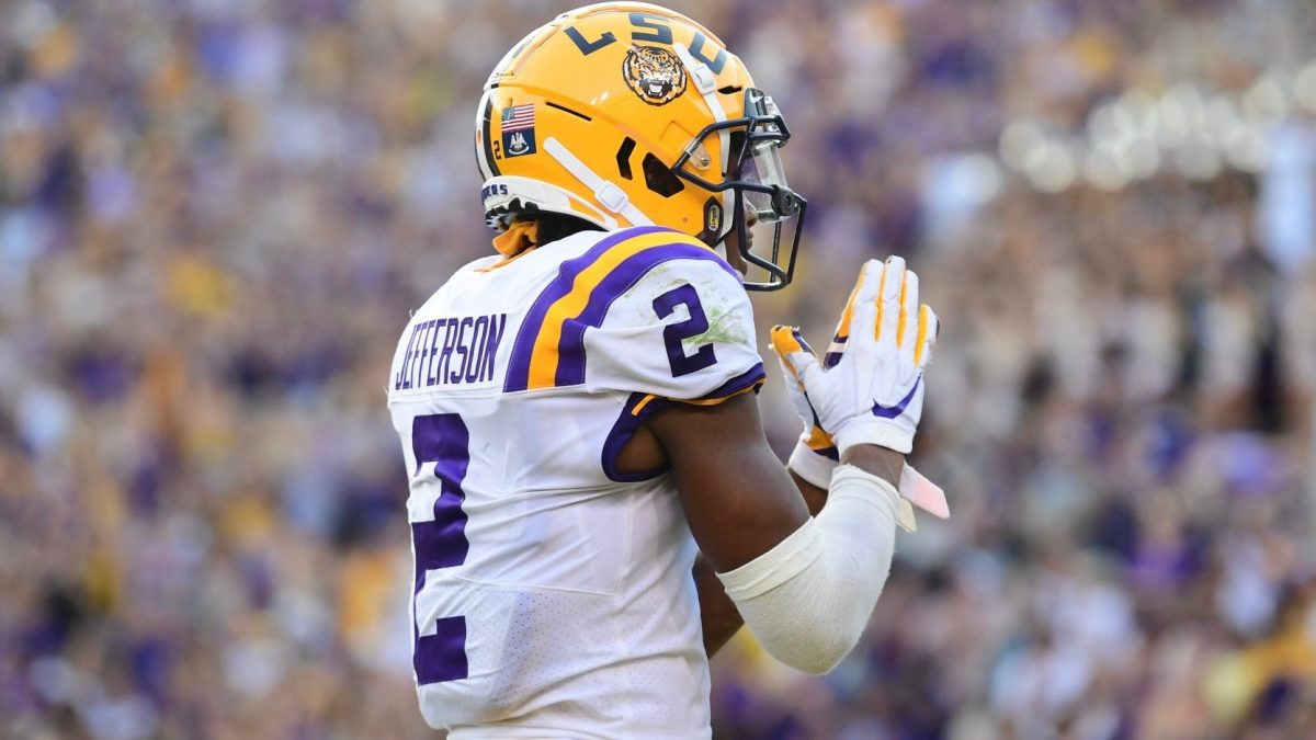 LSU offense explodes in 55-3 rout of Georgia Southern
