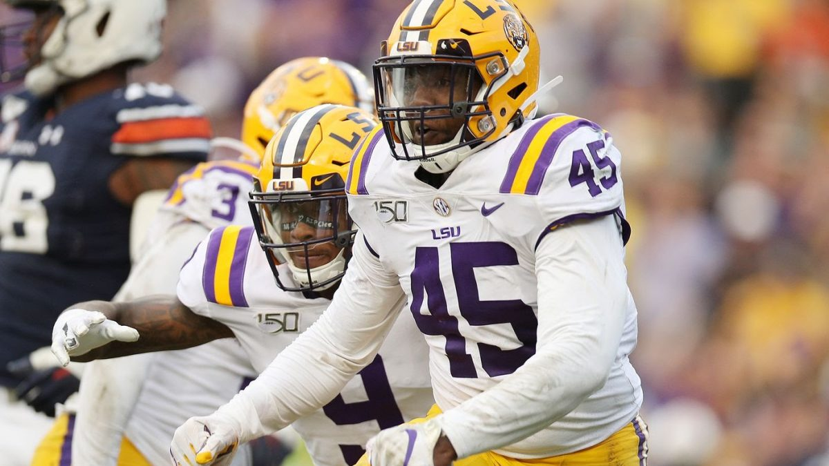 LSU linebacker Michael Divinity cleared to play in National Championship