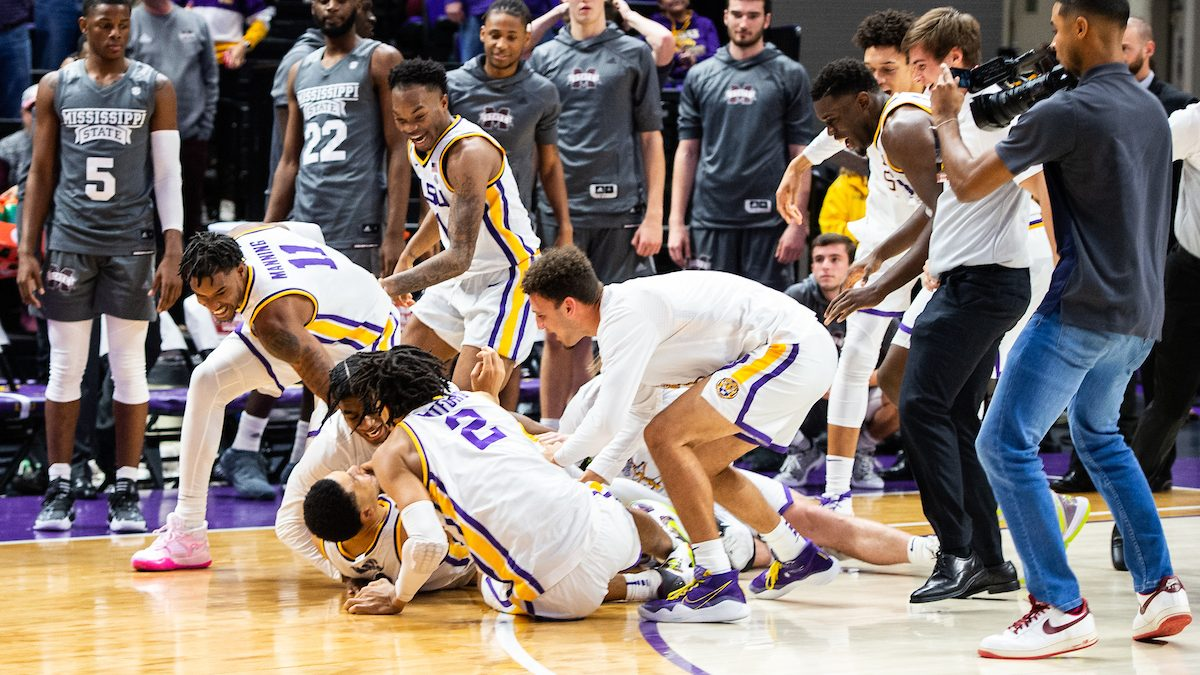 Skylar Mays' last-second buzzer beater lifts LSU over Mississippi State