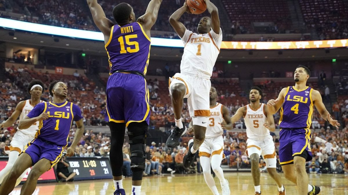 LSU holds on to beat Texas 69-67 to extend winning streak to eight games