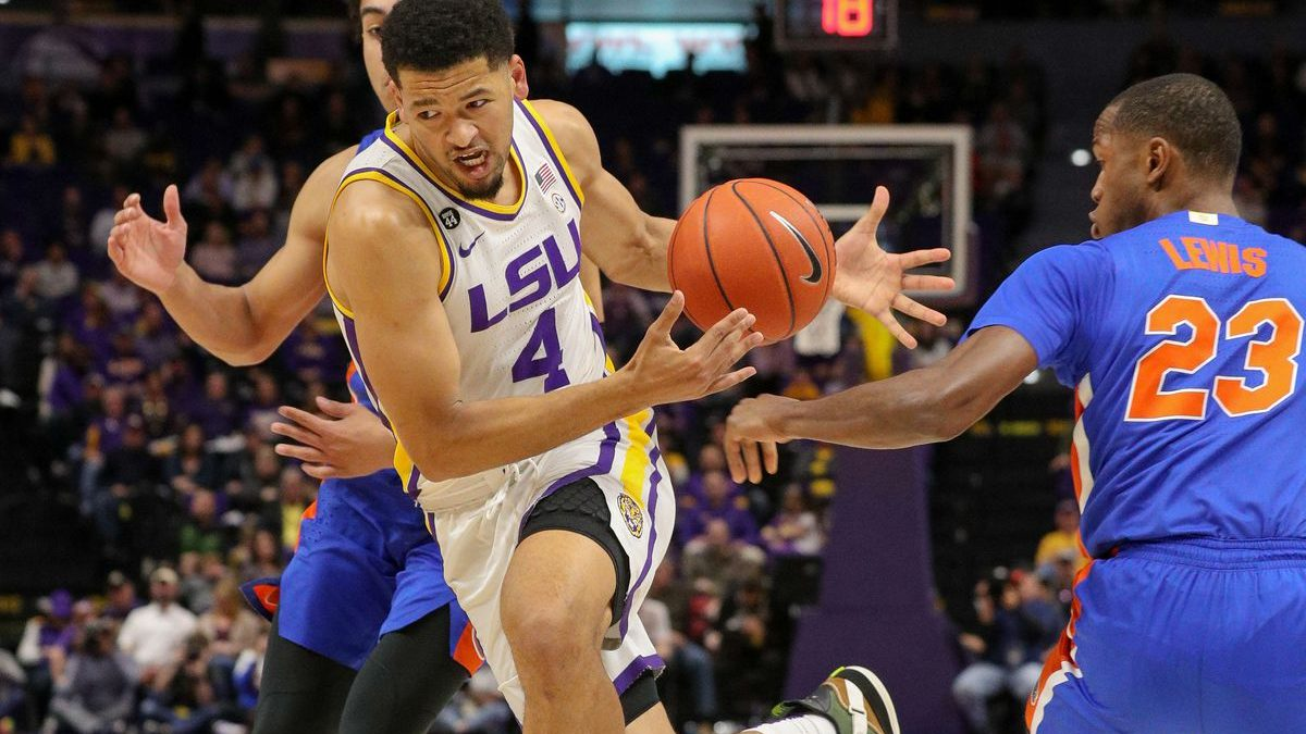 Skylar Mays named one of 10 remaining candidates for Jerry West Award