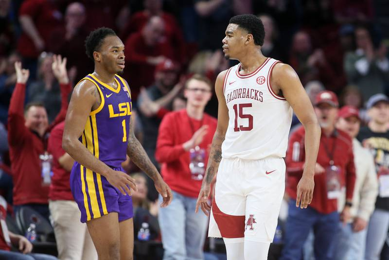 Poor defensive effort dooms LSU again in 99-90 loss at Arkansas